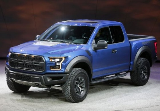 """Ford lança nova Raptor, """"monstro"""" de 417 cv e câmbio de dez marchas"""