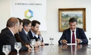 Prefeitura assina contrato de 7 milhões para pavimentação no Bairro Costeira em Araucária