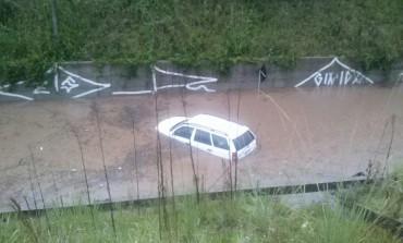 Parece São Paulo: Chuva deixa pontos de Araucária em baixo da água