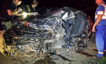 Motorista morre na hora ao colidir de frente com carreta na Rodovia do Xisto