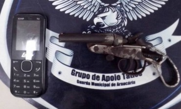 Guarda Municipal de Araucária prende foragido da justiça e recupera arma