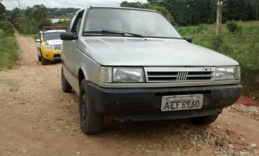 Polícia Militar de Araucária prende dois jovens e recupera veículo roubado
