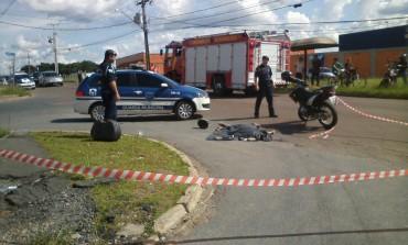 Motociclista morre na hora em grave acidente em Araucária