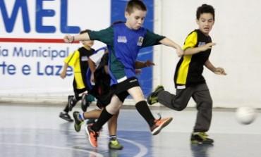 Escolinhas de futebol de Araucária estão com inscrições abertas, confira