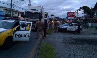 Guarda Municipal de Araucária encontra caminhoneiro amarrado em matagal da cidade