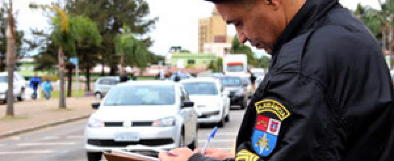 Número de motoristas com habilitação suspensa cresce 52% no Paraná
