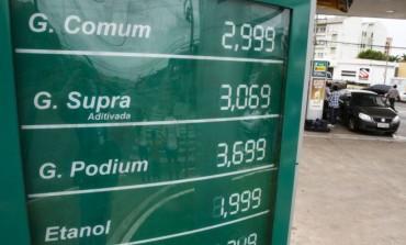 Postos de combustível de Araucária ainda não subiram os preços e gasolina custa até 30 centavos a menos que em Curitiba