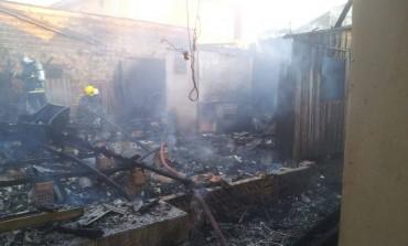 Brincadeira de criança pode ser a causa de incêndio à residência em Araucária