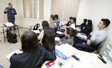 Participantes do Adolescente Aprendiz de Araucária preparam-se para workshop