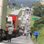 noticia_659805_img1_cid-caminhoneiros-franklin