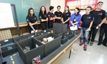 Adolescentes Aprendizes de Araucária fazem workshop sobre funcionamento de empresas