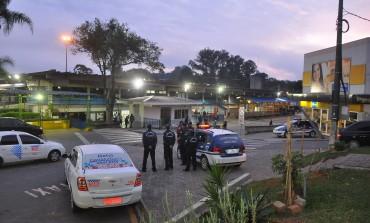 Terminais de Araucária amanhecem sem protestos e ônibus circulam normalmente