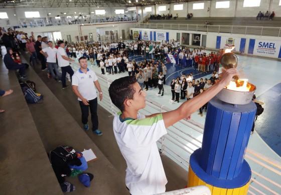 Após cerimônia de abertura, começam as disputas dos Jogos Escolares em Araucária