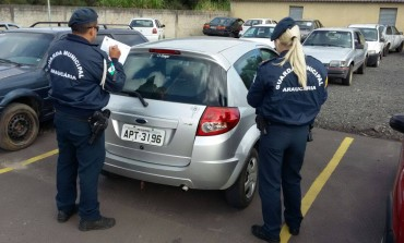 Menino de 15 anos é apreendido com carro e objetos roubados em Araucária