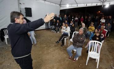 """Prefeito de Araucária anuncia obras do """"Seu Bairro Novo"""" no Costeira"""