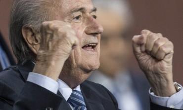Reeleito, Blatter promete surpresas para melhorar imagem da Fifa