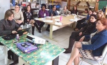 Educação prepara formação para futuros candidatos a diretores em Araucária