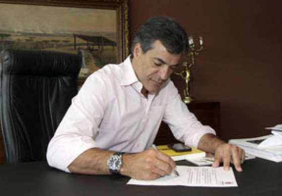 Governo do PR anuncia reajuste de 5% e diz que encerra negociações com funcionalismo