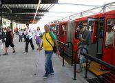 Em mais um arrastão, bandidos limpam passageiros que deixavam o Terminal Pinheirinho