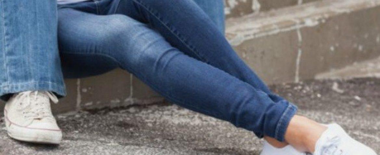 Jeans apertado pode danificar músculos e nervos, alerta estudo