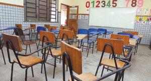 Alunos-estao-semanas-assistir-aula_ACRIMA20121113_0079_15