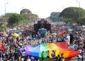 Enviado americano diz que Brasil é exemplo inspirador da causa gay