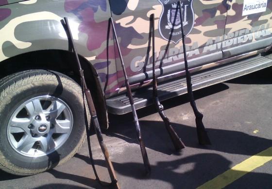Guarda de Araucária prende 'Colonos' caçando com espingardas