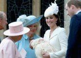 Com água benta 'importada', bebê real é batizada na Inglaterra