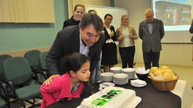 Foto de Hospital de Araucária comemora 7 anos com festa para primeira criança nascida no local