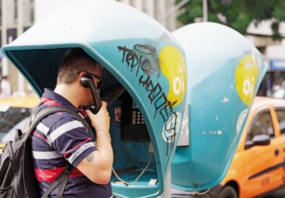 Ligações interurbanas de orelhões da Oi passam a ser gratuitas no Paraná