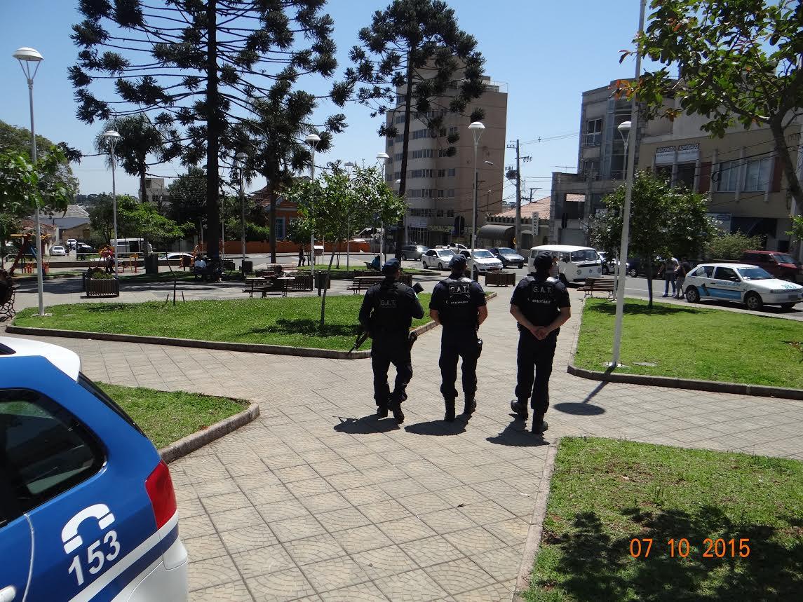 Guarda Municipal intensifica patrulhamento no comércio central de Araucária
