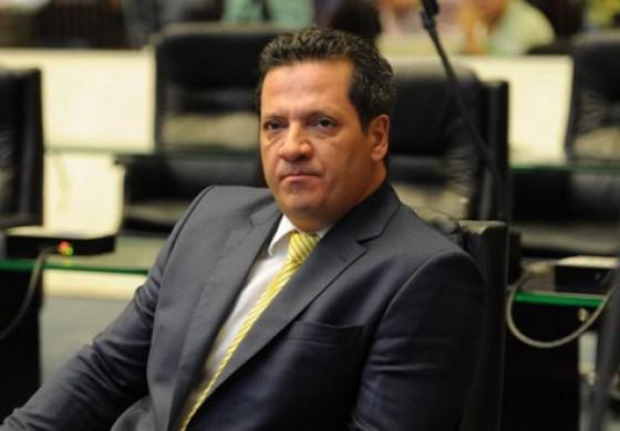 Parte de salário era devolvida a deputado Gilberto Ribeiro, diz ex-funcionária da Alep