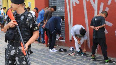 Foto de Adolescentes tocam o terror e geram confusão perto de shopping de Curitiba
