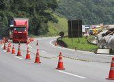 """BR-376 entre Curitiba e SC registra seis acidentes """"pesados"""" por dia"""