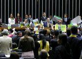 Planalto freia debandada às vésperas da votação; oposição se diz confiante