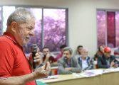 'Temer cortou até o almoço de Dilma', diz Lula no Rio
