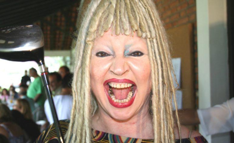 """Morre no Rio aos 71 anos a irreverente Elke Maravilha: """"Foi brincar de outra coisa"""""""