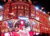 Ensaio de Natal no Palácio Avenida reúne centenas de pessoas no Centro de Curitiba; saiba o calendário