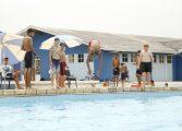 Para usar as piscinas do CSU basta fazer a carteirinha e exame