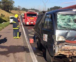 Colisão traseira após freada brusca deixa três feridos na Rodovia do Xisto