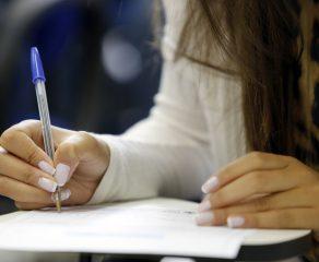 Estagiários devem passar por teste seletivo para entrar na Prefeitura de Araucária