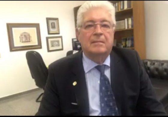 PMDB inicia processo para expulsar Requião, que reage ameaçando Eduardo Cunha e Jucá