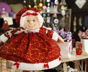 Feira de Artesanato Especial de Natal acontece na Praça Vicente Machado