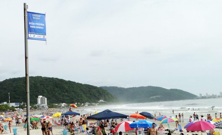 Verão começa com águas próprias para banho no Litoral do Paraná