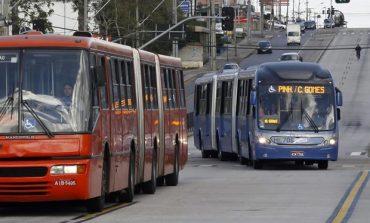 Preço da tarifa de ônibus em Curitiba segue sem reajuste em 2018, diz Greca