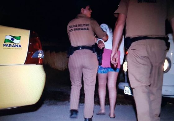 Moradores flagram homem nu com menina de 11 anos