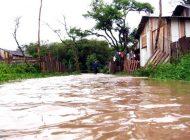 Campanha arrecadou um caminhão de roupas para famílias afetadas por chuva em Araucária