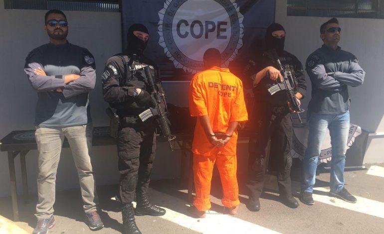 Polícia prende em Araucária foragido do RJ que violentou mulher por mais de 10 horas; veja o vídeo da prisão