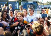 Após ter visita a Lula barrada, Dilma diz que até na ditadura era possível receber amigos