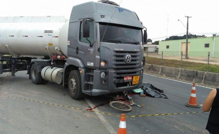 Ciclista morre na hora após ser atingido por caminhão em Contenda